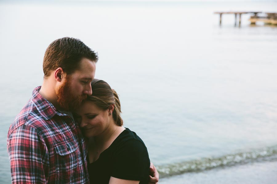 cleveland-oh-engagement-photgraphy-edgewater-park-lake-erie-kim-mike-34.jpg
