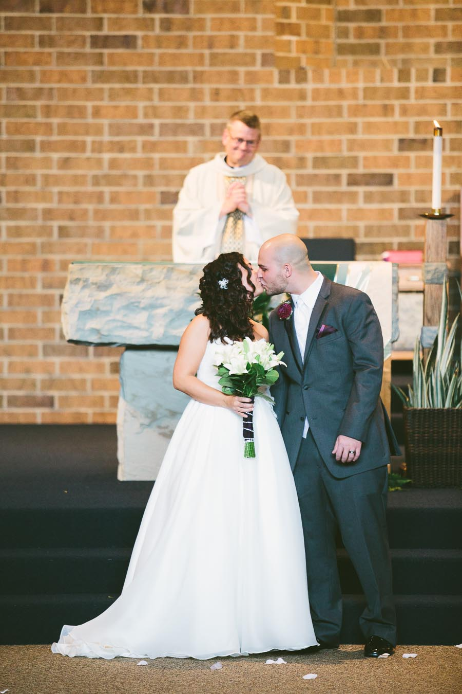 north-olmsted-ohio-wedding-photography-st-clarence-27.jpg
