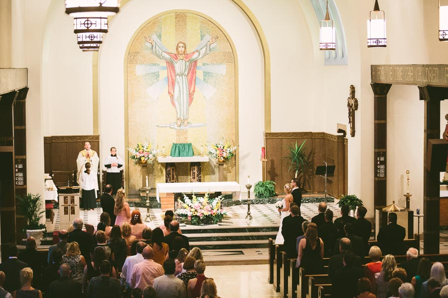 cleveland-ohio-wedding-photography-holiday-inn-rockside-independence-8.jpg