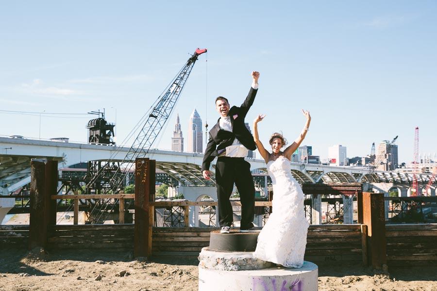 cleveland-ohio-wedding-photography-holiday-inn-rockside-independence-24.jpg