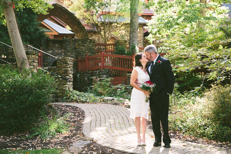 mohican-ohio-wedding-photography-landolls-castle-fall-19.jpg