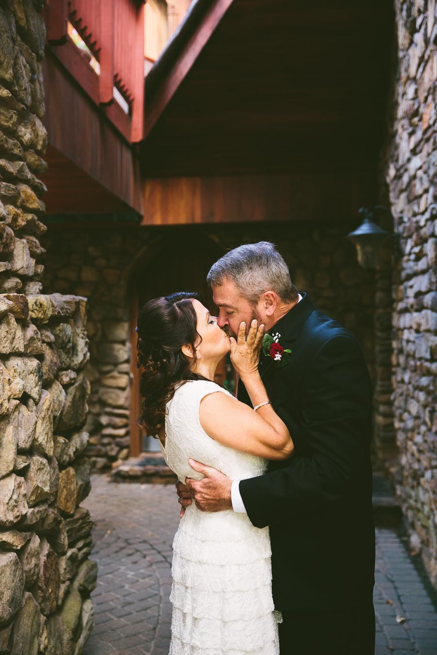 mohican-ohio-wedding-photography-landolls-castle-fall-27.jpg