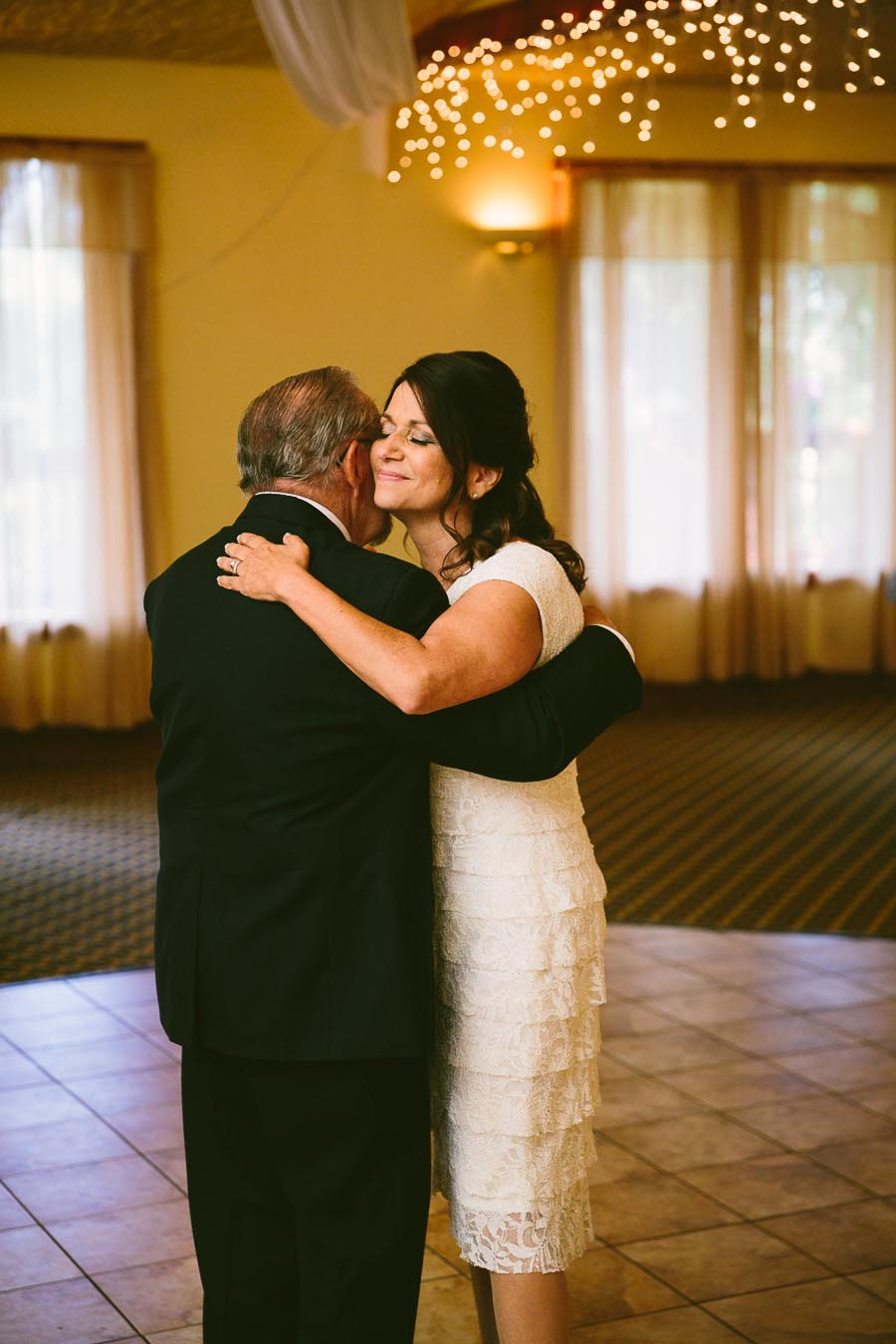 mohican-ohio-wedding-photography-landolls-castle-fall-31.jpg