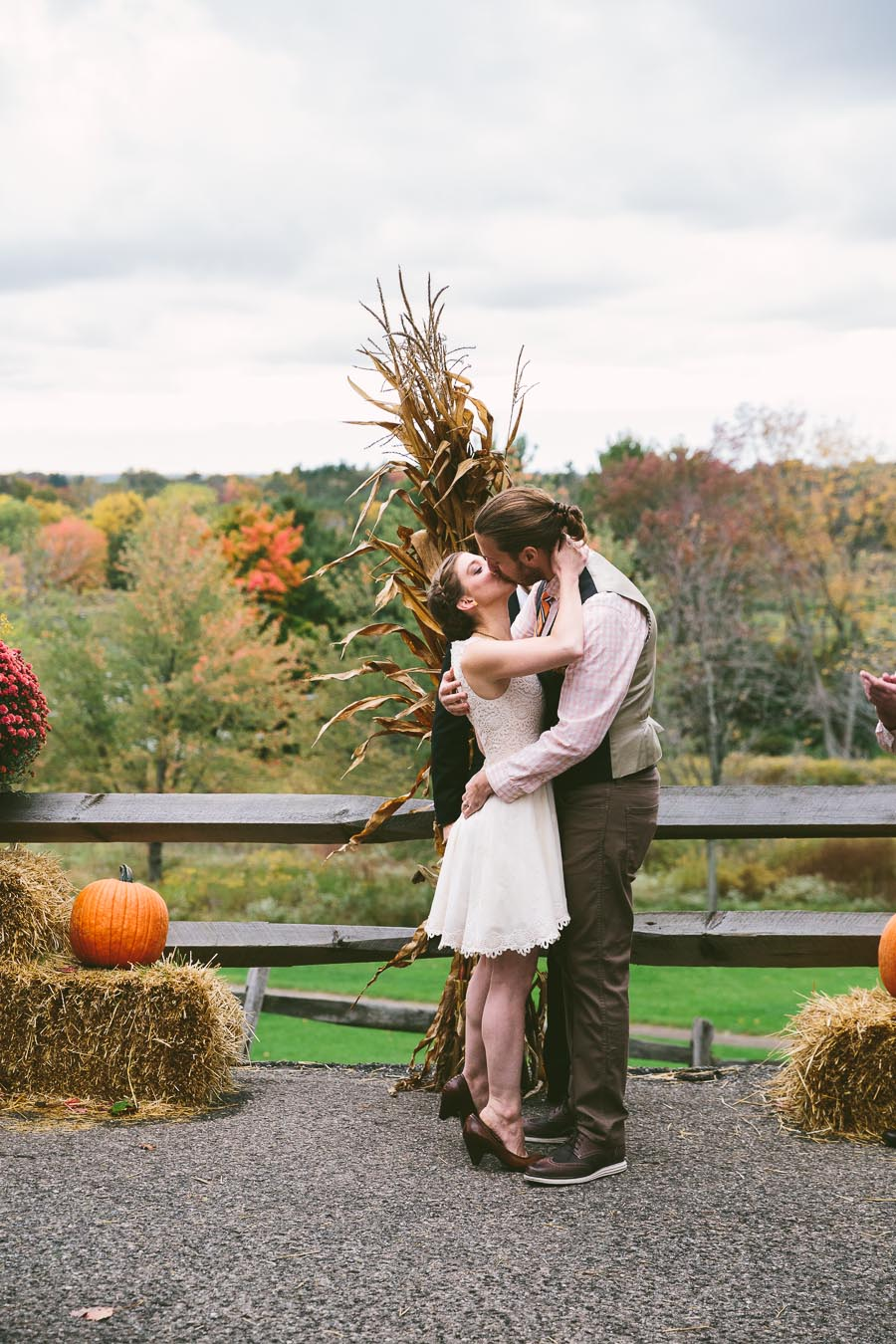 chesterland-ohio-wedding-photography-orchard-hills-paterson-fruit-farm-21.jpg