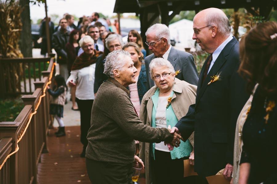 chesterland-ohio-wedding-photography-orchard-hills-paterson-fruit-farm-22.jpg