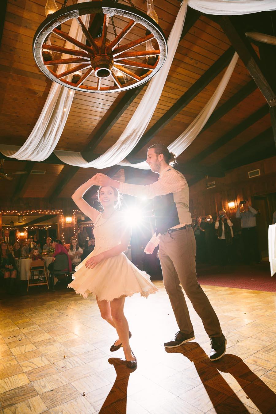 chesterland-ohio-wedding-photography-orchard-hills-paterson-fruit-farm-33.jpg