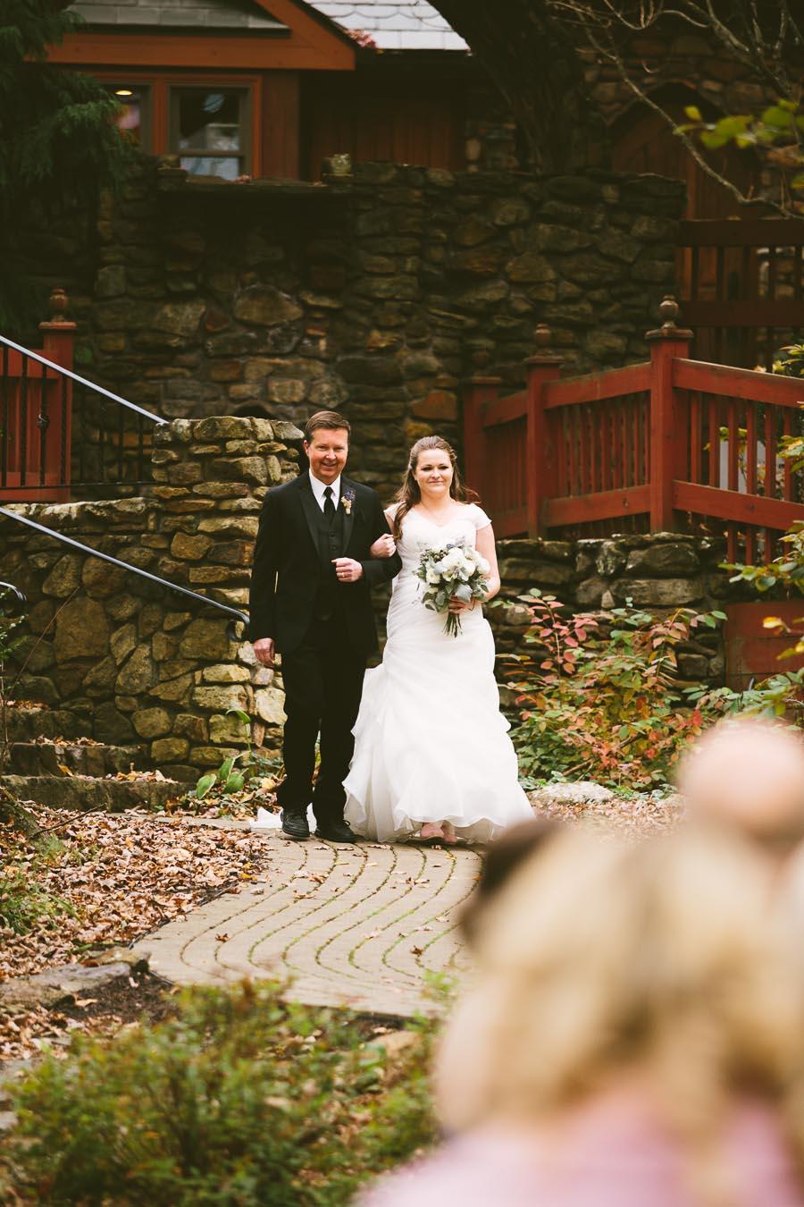 landolls-mohican-castle-wedding-photography-46.jpg