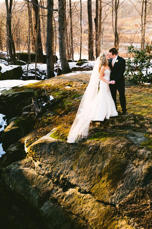 chesterland-ohio-wedding-photography-pattersons-fruit-farm-orchard-hills-35.jpg