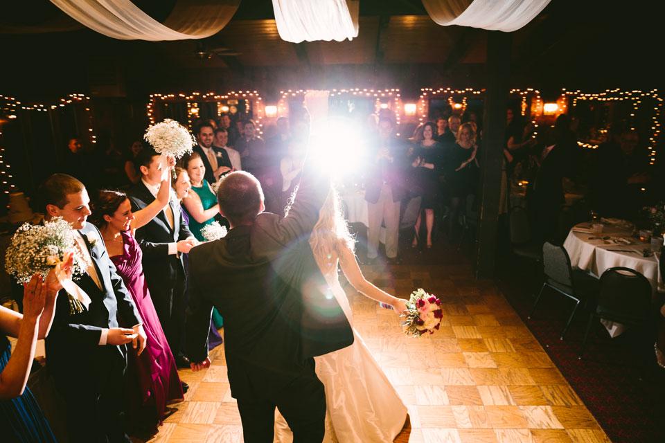 chesterland-ohio-wedding-photography-pattersons-fruit-farm-orchard-hills-38.jpg