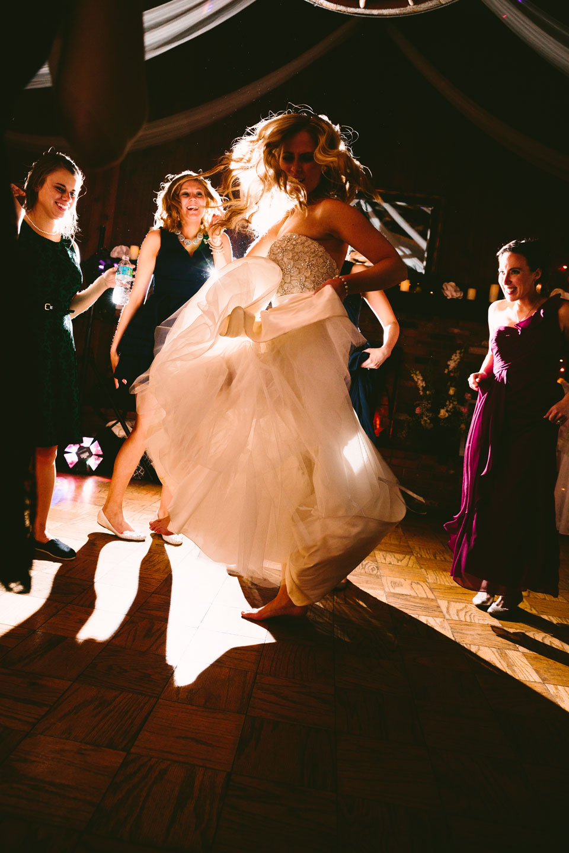chesterland-ohio-wedding-photography-pattersons-fruit-farm-orchard-hills-45.jpg