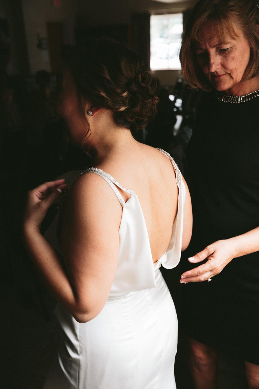 valley-city-ohio-wedding-photographer-josh-nancy-11.jpg