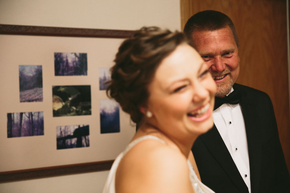 valley-city-ohio-wedding-photographer-josh-nancy-16.jpg