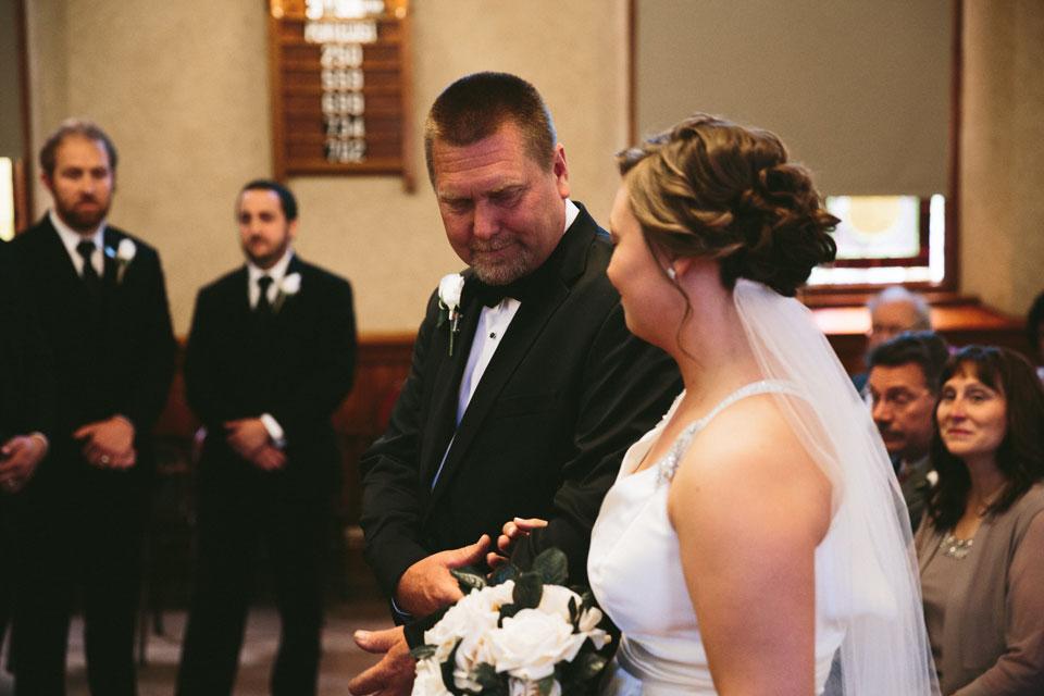 valley-city-ohio-wedding-photographer-josh-nancy-26.jpg