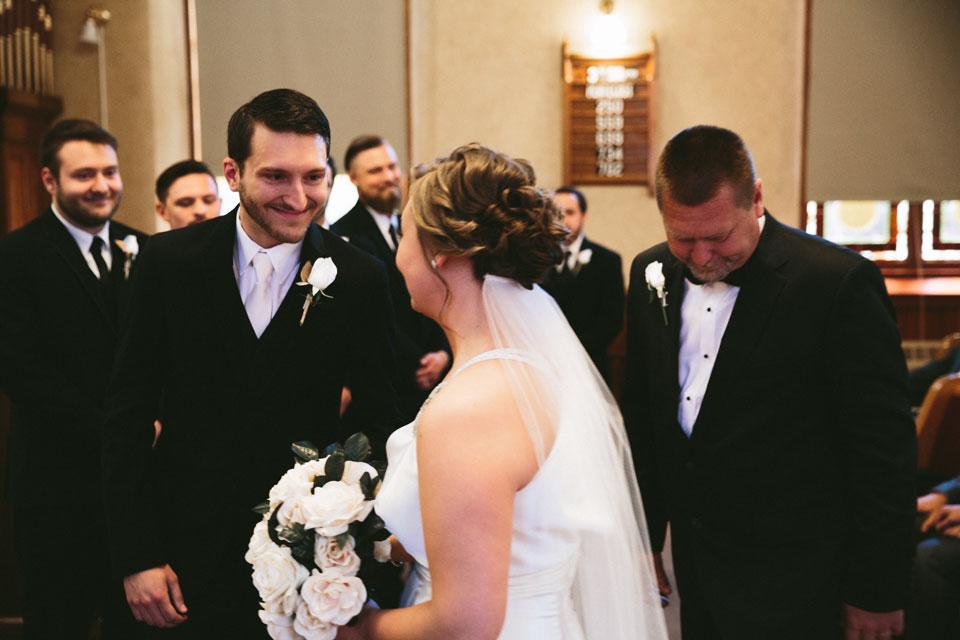 valley-city-ohio-wedding-photographer-josh-nancy-27.jpg