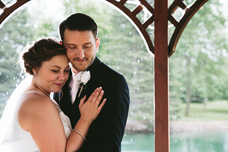 valley-city-ohio-wedding-photographer-josh-nancy-46.jpg