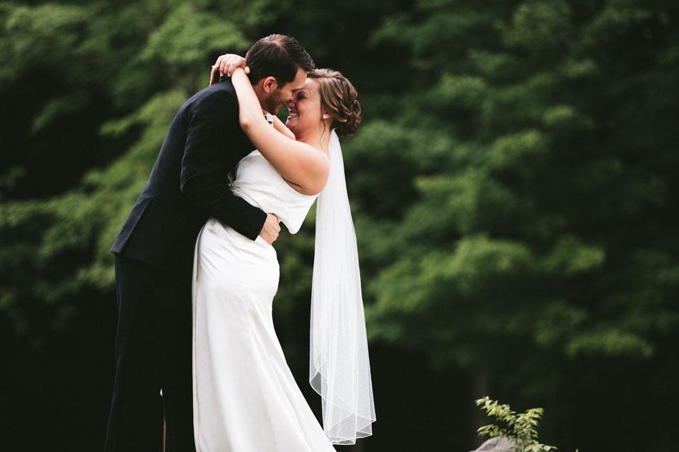 valley-city-ohio-wedding-photographer-josh-nancy-50.jpg