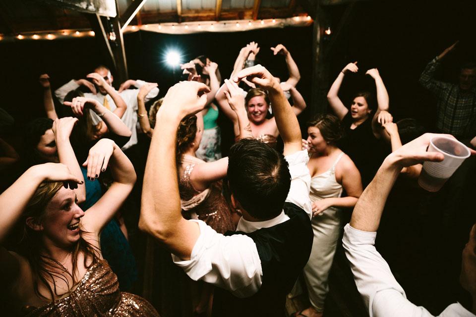 valley-city-ohio-wedding-photographer-josh-nancy-64.jpg