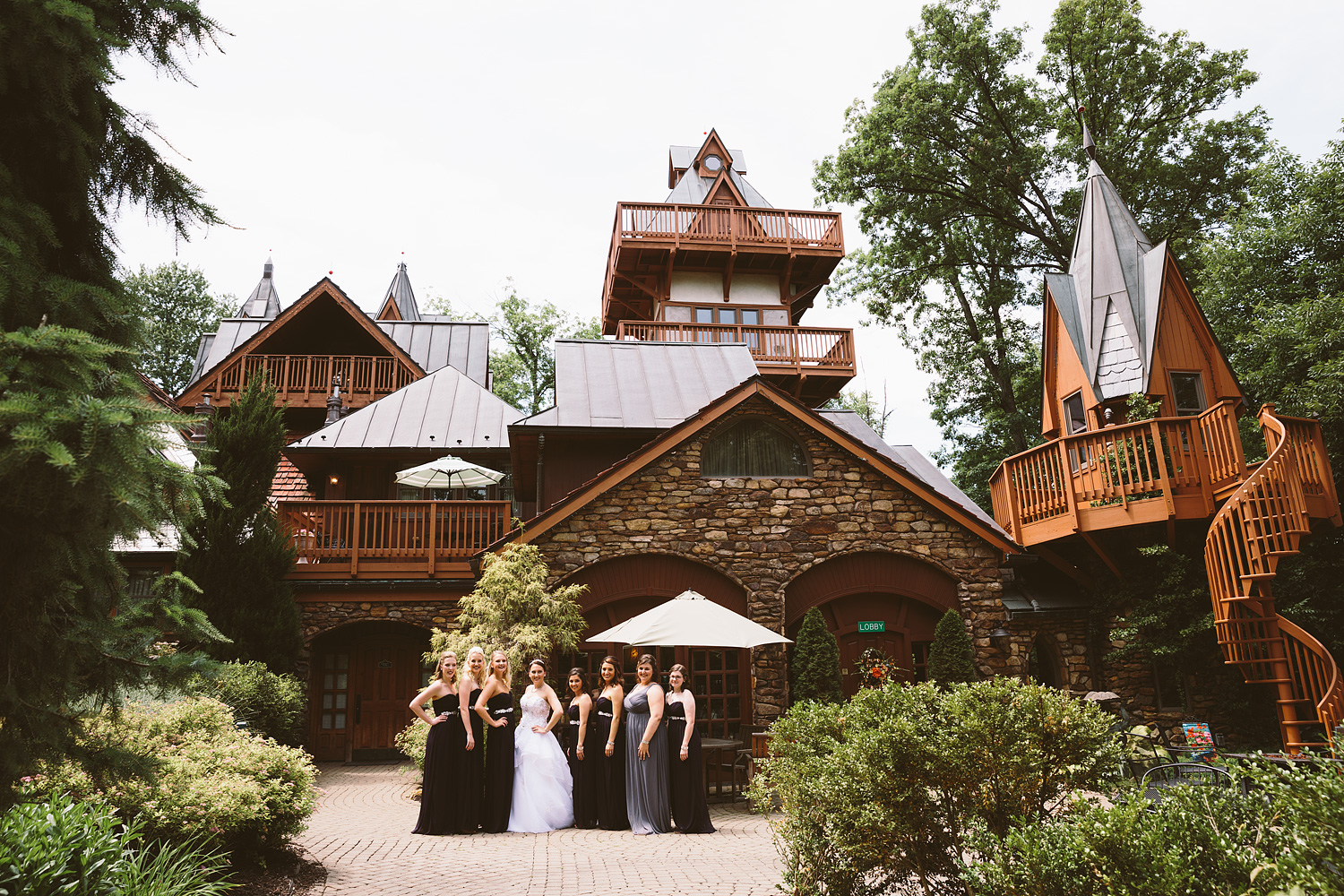 loudonville-ohio-wedding-photographers-landolls-mochican-castle_35.jpg