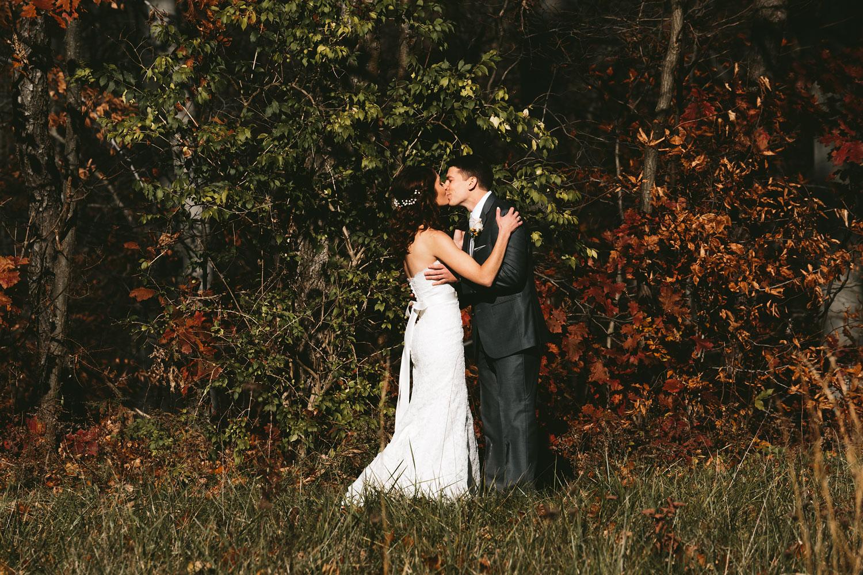 cleveland-wedding-photographers-cuyahoga-valley-national-park-happy-days-lodge-26.jpg