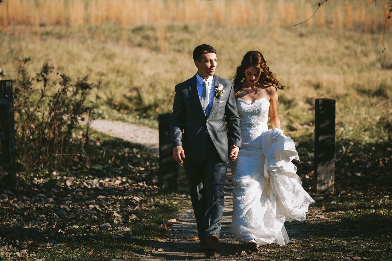 cleveland-wedding-photographers-cuyahoga-valley-national-park-happy-days-lodge-27.jpg