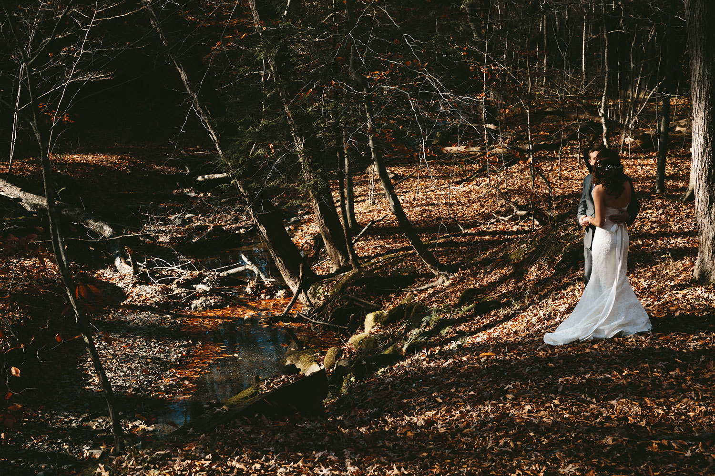 cleveland-wedding-photographers-cuyahoga-valley-national-park-happy-days-lodge-30.jpg