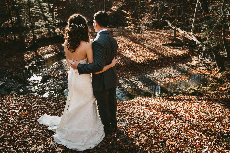 cleveland-wedding-photographers-cuyahoga-valley-national-park-happy-days-lodge-31.jpg