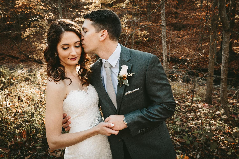 cleveland-wedding-photographers-cuyahoga-valley-national-park-happy-days-lodge-32.jpg
