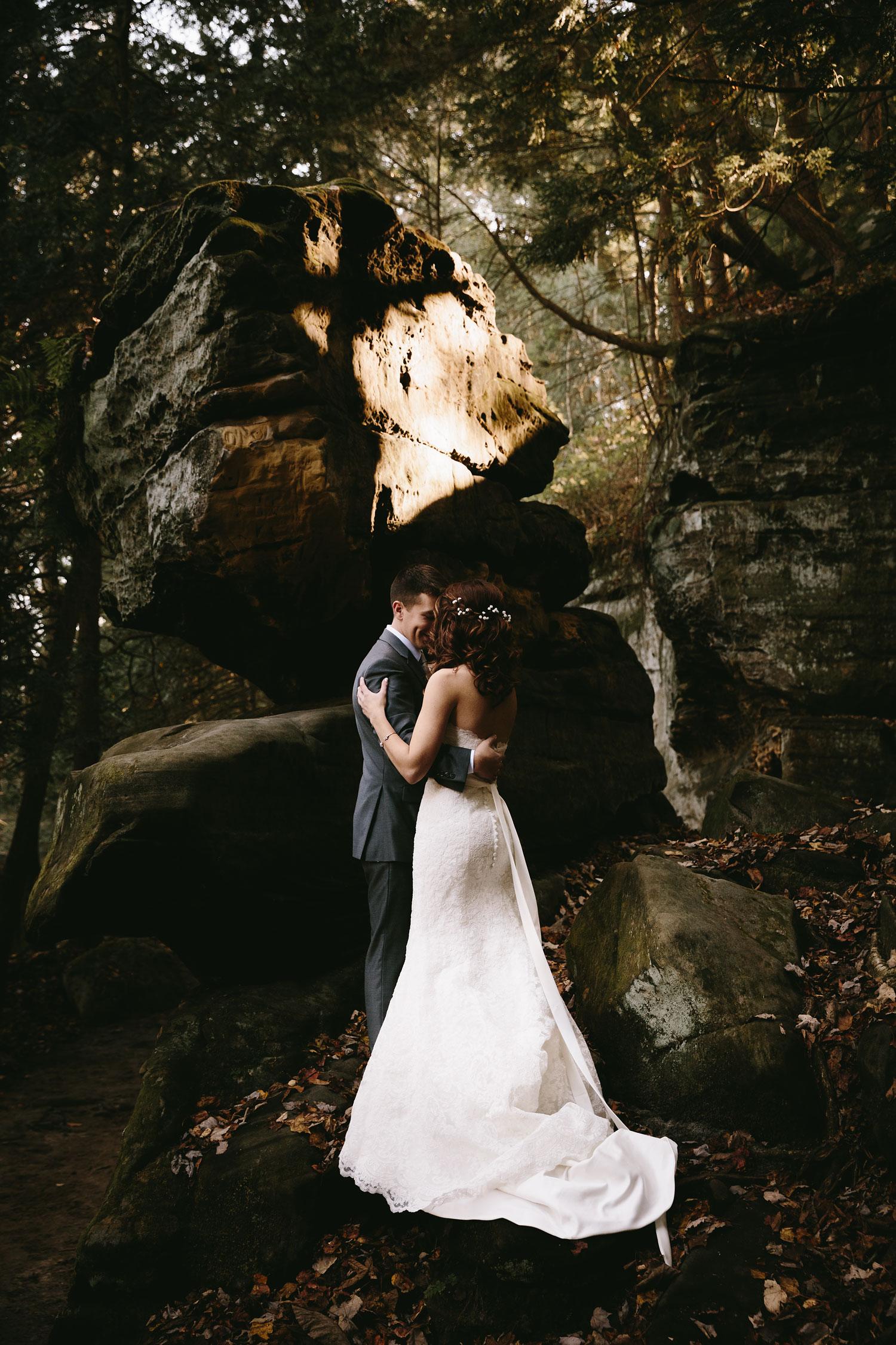 cleveland-wedding-photographers-cuyahoga-valley-national-park-happy-days-lodge-37.jpg