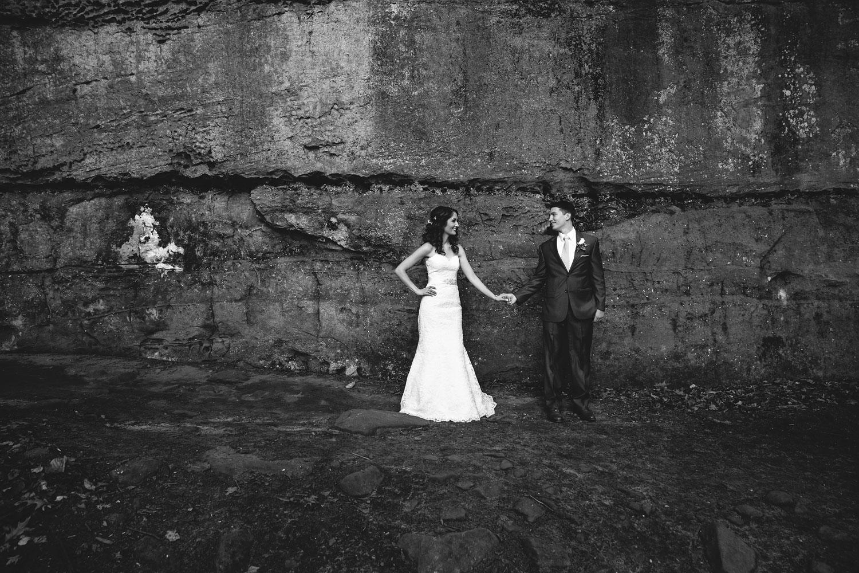 cleveland-wedding-photographers-cuyahoga-valley-national-park-happy-days-lodge-39.jpg