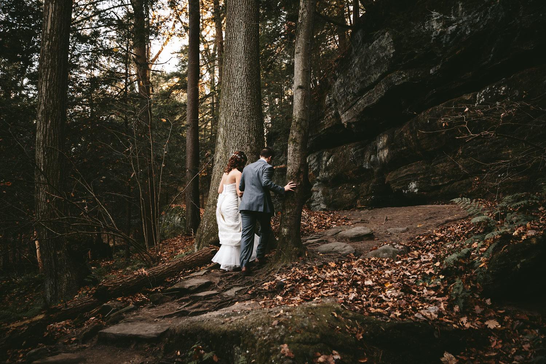 cleveland-wedding-photographers-cuyahoga-valley-national-park-happy-days-lodge-43.jpg