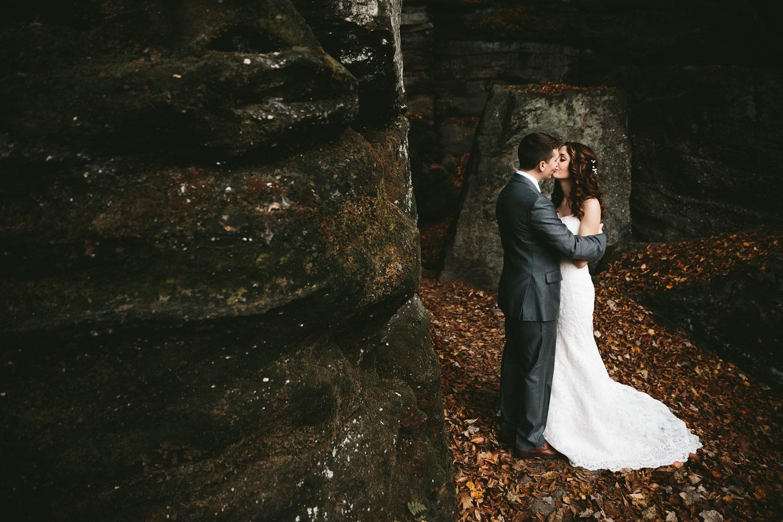 cleveland-wedding-photographers-cuyahoga-valley-national-park-happy-days-lodge-48.jpg