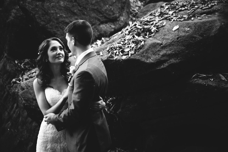 cleveland-wedding-photographers-cuyahoga-valley-national-park-happy-days-lodge-55.jpg