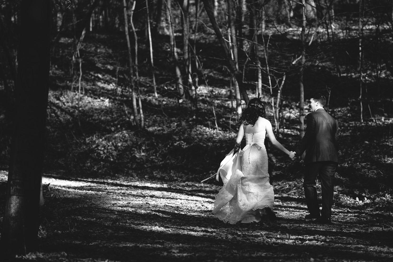 cleveland-wedding-photographers-cuyahoga-valley-national-park-happy-days-lodge-62.jpg