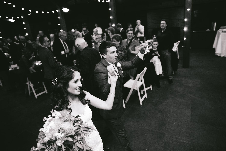 cleveland-wedding-photographers-cuyahoga-valley-national-park-happy-days-lodge-87.jpg