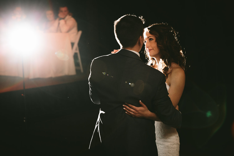 cleveland-wedding-photographers-cuyahoga-valley-national-park-happy-days-lodge-94.jpg