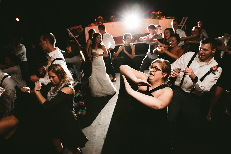 cleveland-wedding-photographers-cuyahoga-valley-national-park-happy-days-lodge-102.jpg