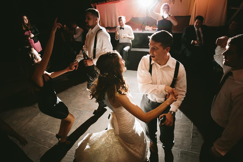 cleveland-wedding-photographers-cuyahoga-valley-national-park-happy-days-lodge-112.jpg