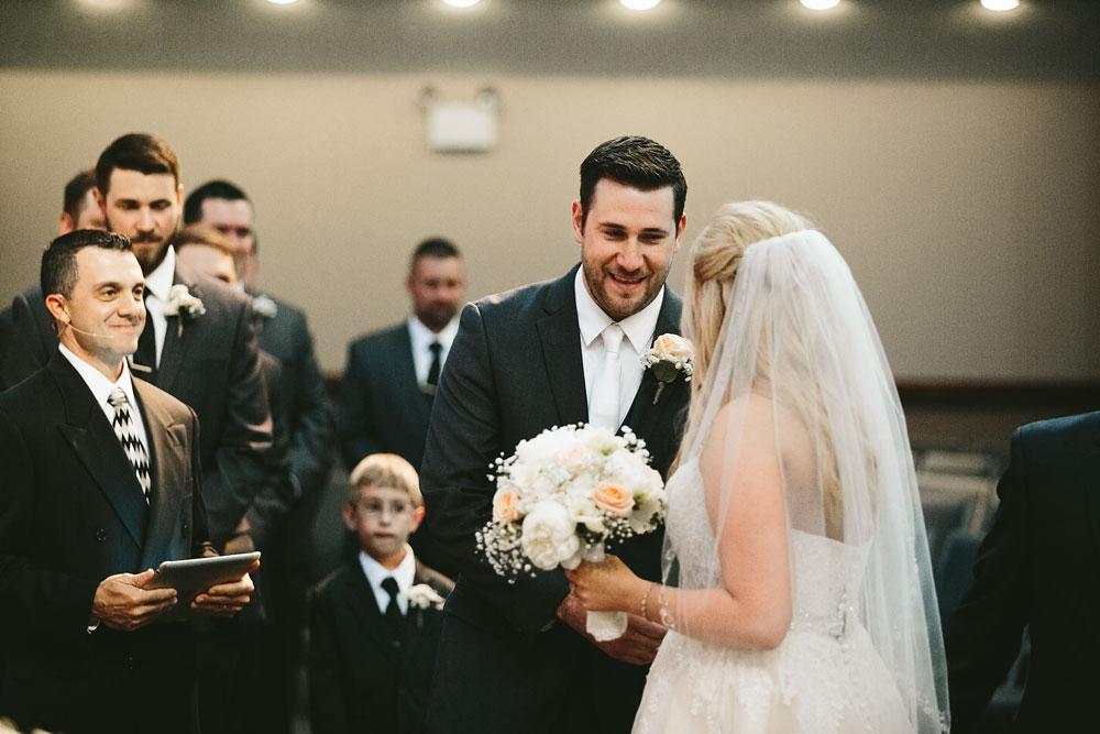 cleveland-wedding-photographers-conrad-botzum-farmstead-akron-ohio-vintage-photojournalistic-photography-26.jpg