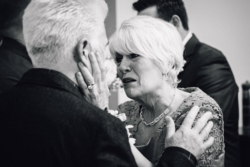 cleveland-wedding-photographers-conrad-botzum-farmstead-akron-ohio-vintage-photojournalistic-photography-28.jpg