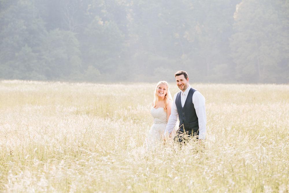 cleveland-wedding-photographers-conrad-botzum-farmstead-akron-ohio-vintage-photojournalistic-photography-43.jpg