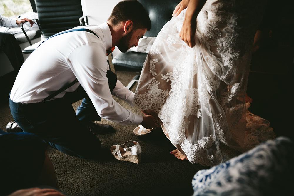barn-rustic-wedding-photographers-the-meadows-cleveland-wedding-photographers-27.jpg