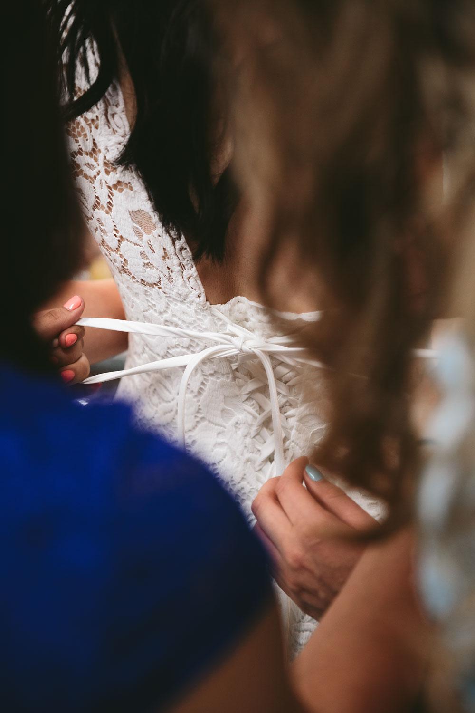 modern-cleveland-wedding-photographers-photojournalistic-1.jpg