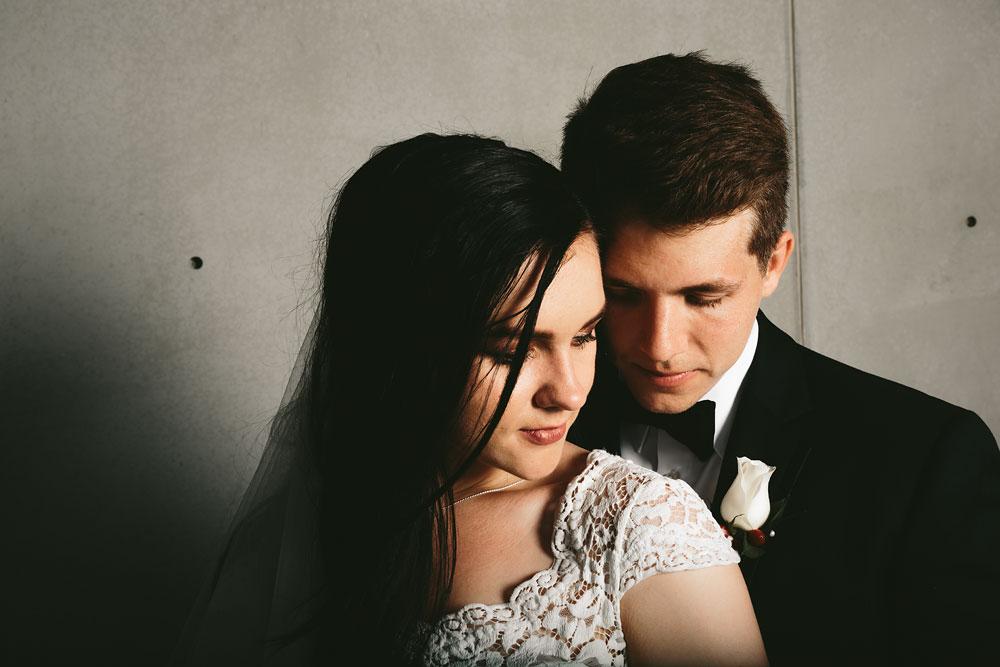 modern-cleveland-wedding-photographers-photojournalistic-10.jpg