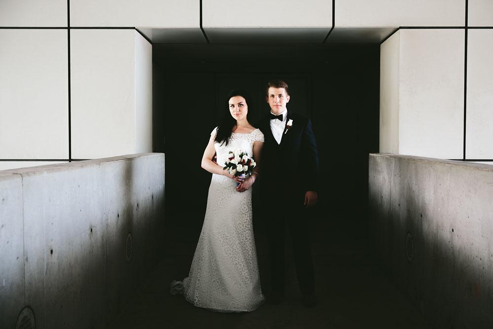 modern-cleveland-wedding-photographers-photojournalistic-15.jpg