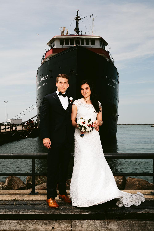modern-cleveland-wedding-photographers-photojournalistic-22.jpg