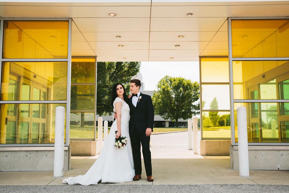 modern-cleveland-wedding-photographers-photojournalistic-23.jpg