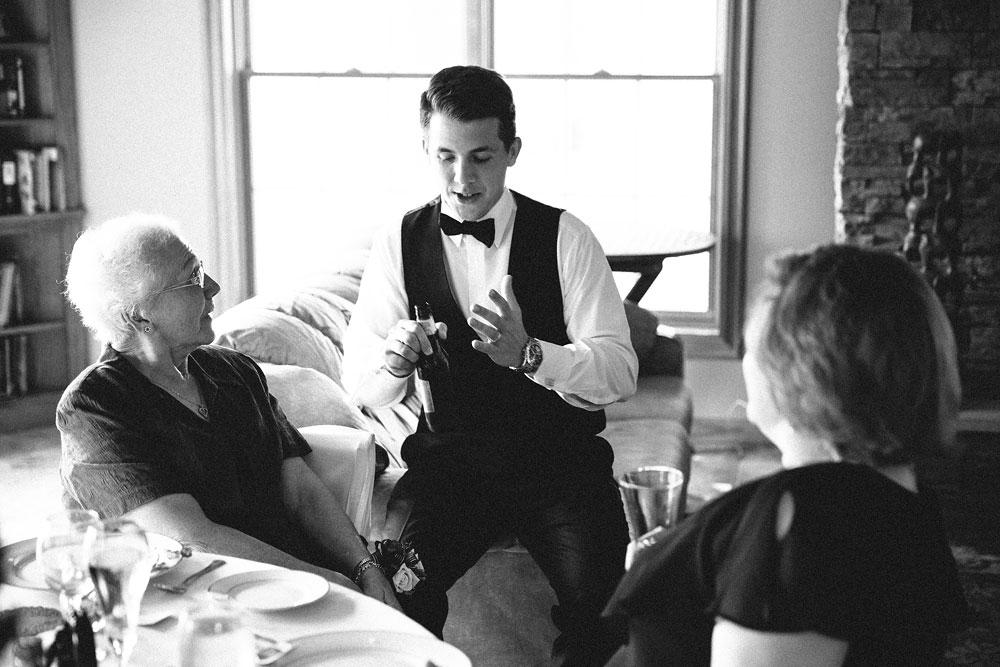 modern-cleveland-wedding-photographers-photojournalistic-28.jpg