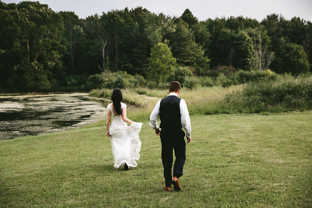 modern-cleveland-wedding-photographers-photojournalistic-31.jpg