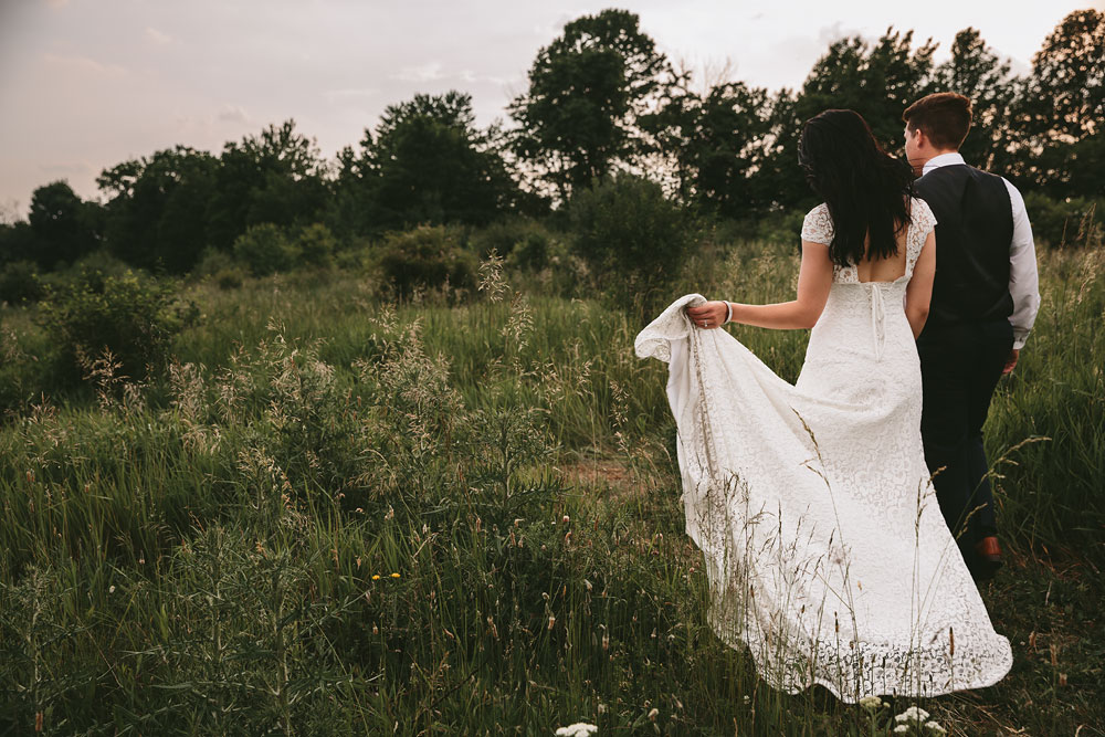 modern-cleveland-wedding-photographers-photojournalistic-32.jpg