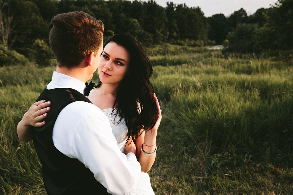 modern-cleveland-wedding-photographers-photojournalistic-35.jpg